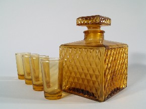 Whisky set in cube